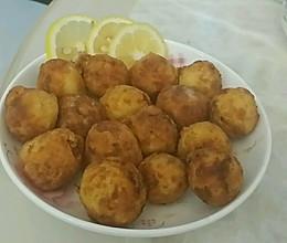 外脆里嫩的土豆丸的做法