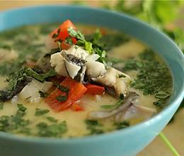 蔬菜高汤炖黑鳕鱼的做法