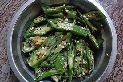 橄榄菜肉丁炒黄秋葵