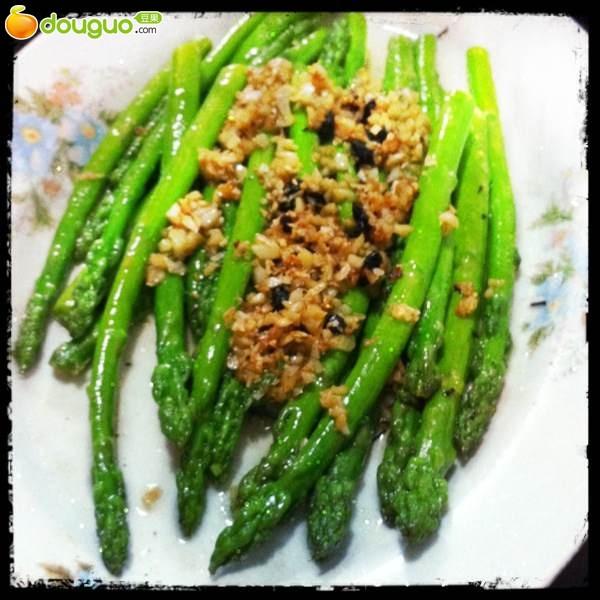 豆豉蒜茸扒芦笋的做法