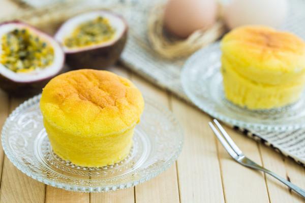 百香果云朵蛋糕的做法