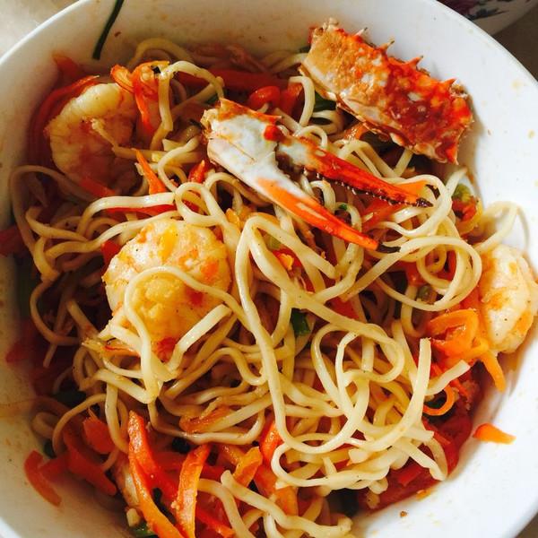 海鲜炒面一碗儿的做法