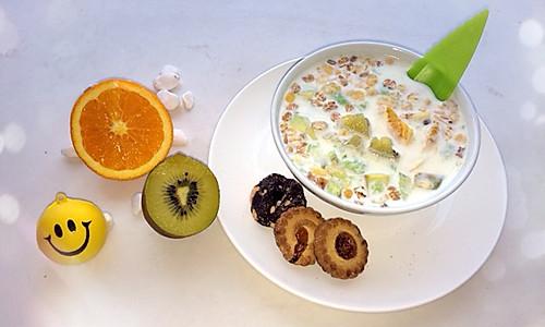 宝宝餐 牛奶水果麦片的做法