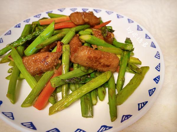 芦笋炒脆肉 里脊松软滑嫩的方法的做法