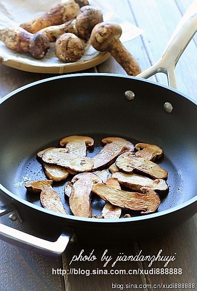 黄油煎松茸的做法