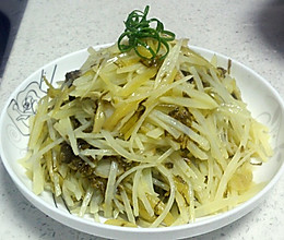爽口热炒--潮州酸菜炒土豆丝的做法