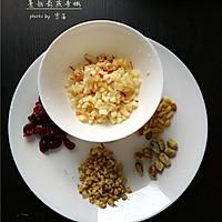 【5分钟打造快手营养早餐】蔓越莓燕麦粥#黑人牙膏一招制胜#的做法图解2