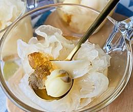 雪耳桃胶百合莲子羹,美容养颜 ,肠粉机,万能蒸锅的做法