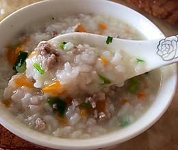 宝宝食谱—胡萝卜瘦肉粥的做法