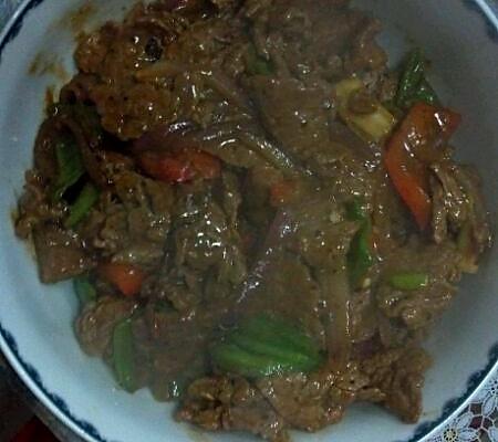 铁板口味炒牛肉的做法