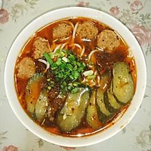 黄瓜圆子米线