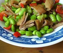 青豆炒猪肠的做法