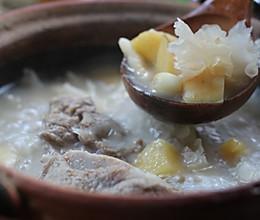 烦热、燥渴、晚上睡觉不安稳就喝银耳苹果猪骨汤的做法