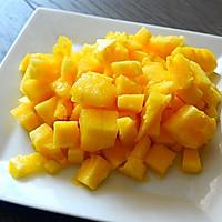 小朋友不好好吃饭必杀技--泰式菠萝饭的做法图解1