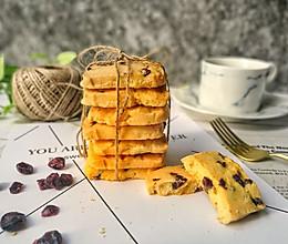 人见人爱的烘焙新手入门小点心--蔓越莓曲奇饼干的做法