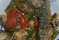 西红柿青椒炒鱼干的做法