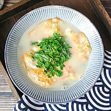 #快手又营养,我家的冬日必备菜品# 一碗能喝的荷包蛋,真热乎