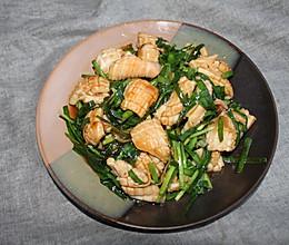 轻松做海鲜—韭菜炒鱿鱼的做法