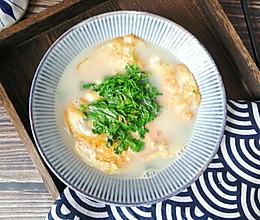 #快手又营养,我家的冬日必备菜品# 一碗能喝的荷包蛋,真热乎的做法