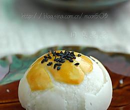 酥皮蛋黄月饼的做法