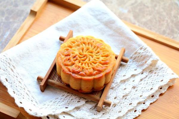 蛋黄豆沙月饼