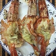 黄油蒜蓉烤大虾