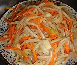 酸甜麻口味的炒土豆丝胡萝卜丝,双丝其下味道超级赞!的做法