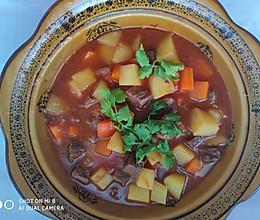 牛肉炖土豆(西红柿版)的做法