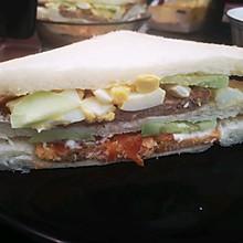 三文鱼猪肉三明治