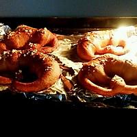 德国碱水面包的做法图解10