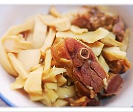 笋干腊鸭腿煲 美味很简单的做法
