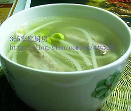 清爽不油腻的:黄豆芽排骨汤的做法
