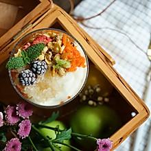 夏日蔬果谷物酸奶杯