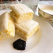 鸡蛋三明治