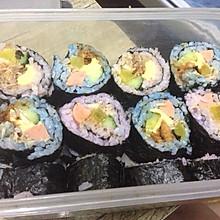 彩色紫菜包饭 彩色寿司卷。