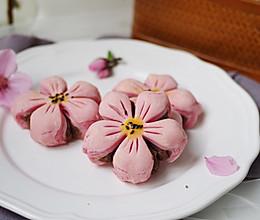 #精品菜谱挑战赛#精致春季点心--桃花酥的做法