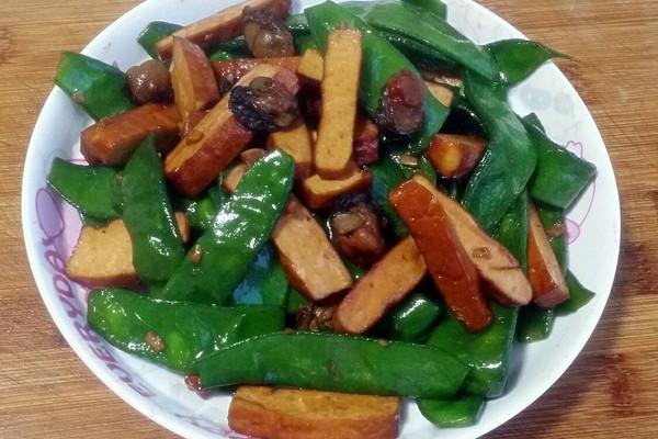 海蛎五香豆腐干炒扁豆(私房菜)的做法