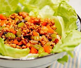 风靡美国的中国家常菜:嫩滑鸡肉生菜卷的做法