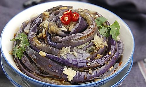 手撕茄子是夏季出镜率最高的凉拌菜的做法