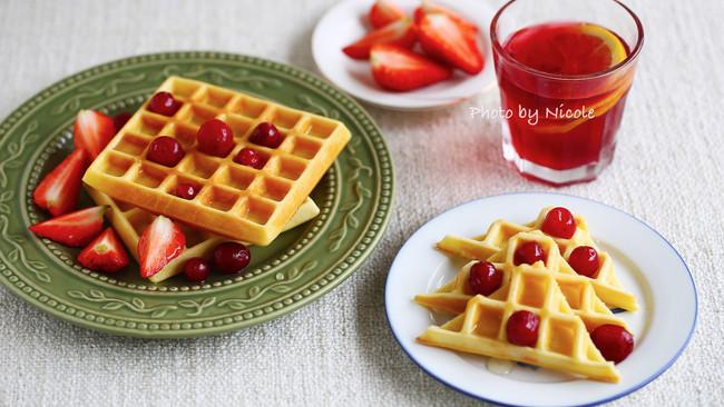 #我们约饭吧#治愈系早餐:奶香华夫饼的做法