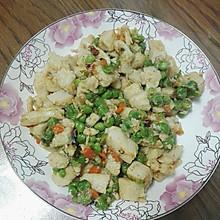 青豆炒鸡丁