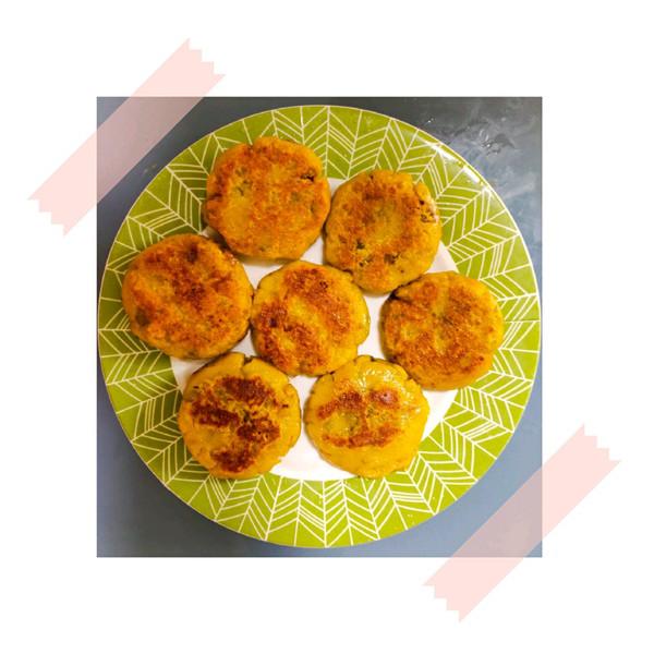贝贝南瓜糯米饼的做法