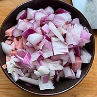 剩米饭的华丽蜕变—虾仁炒米饭的做法图解4