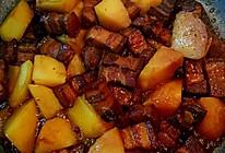 土豆炖五花肉的做法
