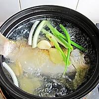 初秋养生汤--山药枸杞鲫鱼汤的做法图解7