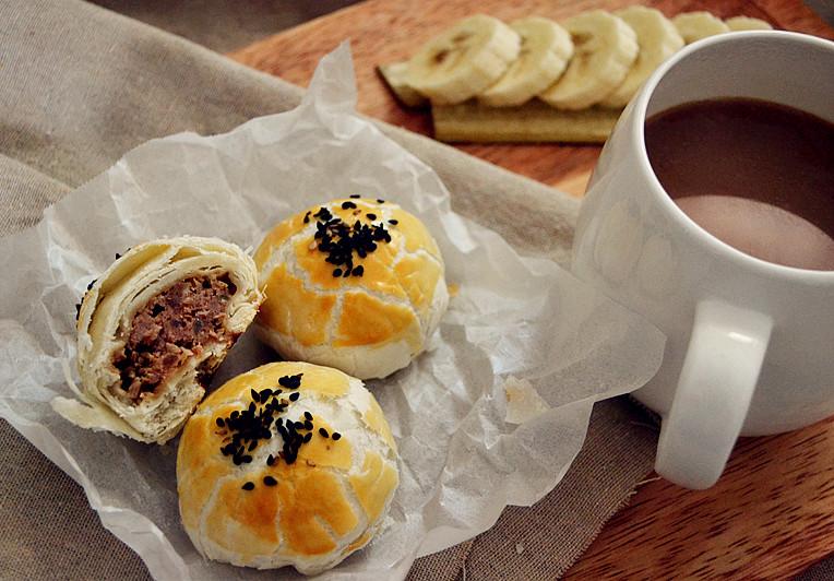 又要一年中秋时,鲜肉榨菜月饼是最温暖的陪伴!——长帝烘焙节