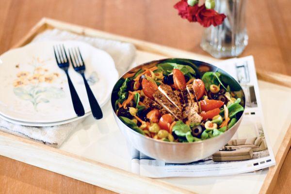 减肥杀手锏: 鸡肉蔬菜沙拉的做法
