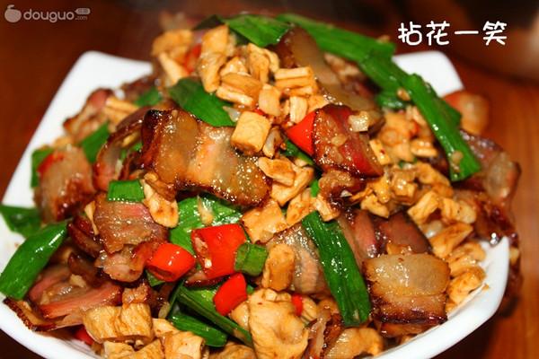 正宗湘菜——萝卜干炒腊肉的做法