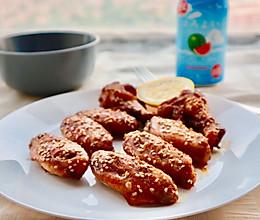 #我们约饭吧#鲜嫩多汁蜜汁烤鸡翅(自制腌料烤箱版)的做法