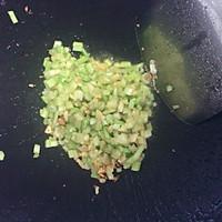 猪肝瘦肉汤米粉的做法图解3